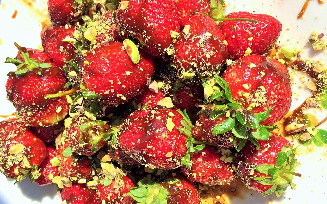 Post image for Coconut Caramel Drizzled Strawberries with Crushed Pistachios